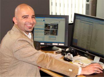 Ammar Kubba en su despacho de TrafficZ